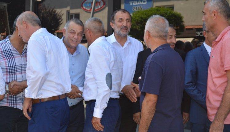 MHP'LİLER PARTİ BİNASINDA BAYRAMLAŞTI !