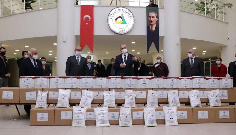 BAŞKAN ÖZLÜ'DEN FABRİKALARA MASKE DESTEĞİ!